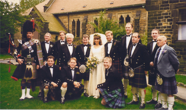 Kiltie Wedding with bagpiper